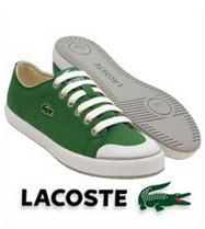 фирменным знаком компании lacoste